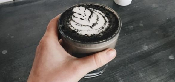 Goth latte is the latest food trend that has taken Instagram by storm. Photograph courtesy of: Instagram user rawberryjuice