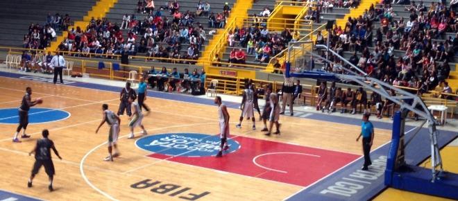 Baloncesto en Colombia inició con sorpresas