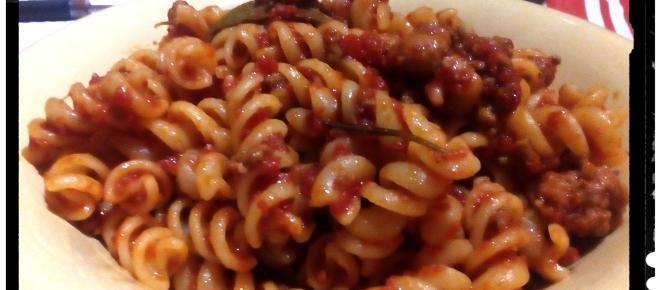 Ricette della nonna: ragù con aglio e rosmarino