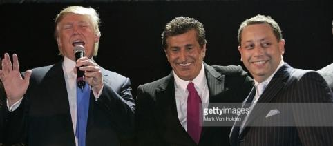 Photos et images de Trump, Arif, Sater Soho Launch Party - Inside | Getty Images - gettyimages.fr