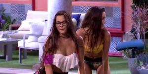 Emilly e a irmã sensualizando no BBB17