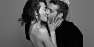 Photographer Ben Lamberty captures couples passionately kissing ... - dailymail.co.uk