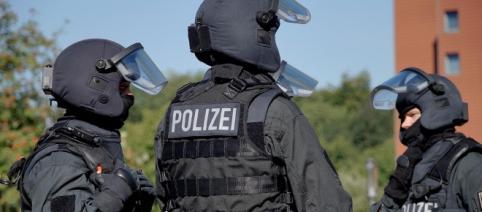 Hier sieht man Spezialkräfte der Polizei.