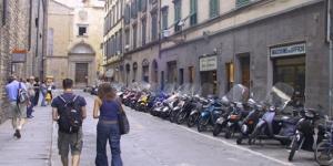 Turistas por las calles de Florencia