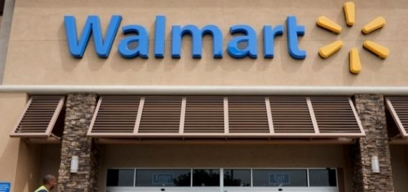 Wal-Mart open on Memorial Day? - Wikimedia Commons