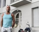 Pedradas, paciencia o pleitos contra la subida de los precios de ... - elpais.com