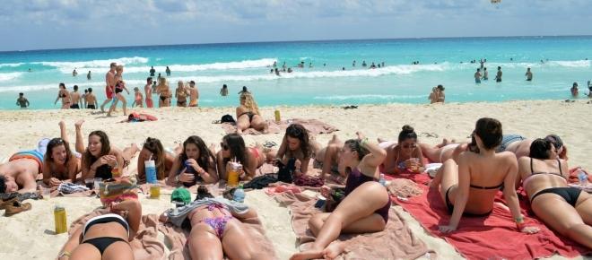 Empleados turísticos no disfrutan del éxito de Cancún