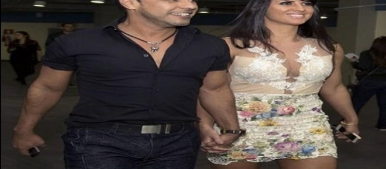 Cantor sertanejo e namorada viram a noite em uma casa de swing for Muralha e sua namorada