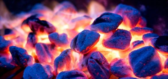 Charcoal Grilling Tastes Better Than Gas. It's Just Science   WIRED - wired.com