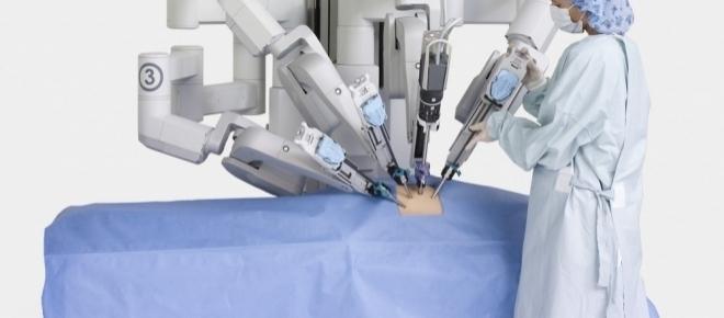 Milano: i primi 3 robot in sala operatoria