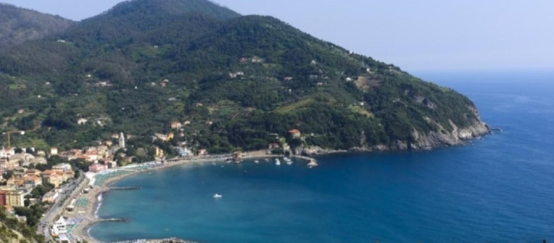 Il mare della sicilia da sogno bandiere blu in 17 paradisi for Nuovo volantino acqua e sapone sicilia