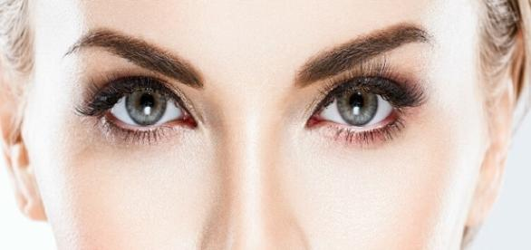 How To Get Thicker Eyebrows? Home Remedies To Grow Eyebrows Naturally - liveitbeautiful.com