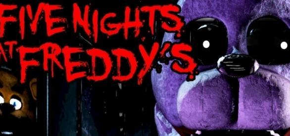 Five Nights at Freddy's: Gameplay Walkthrough | SwimmingBird941/YouTube