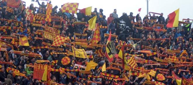 Calciomercato Lecce, ingaggi alti e concorrenza: quasi sfumati due obiettivi