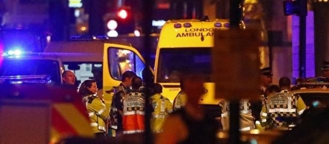 Londra: allarme attentato, un furgone investe fedeli davanti a una moschea