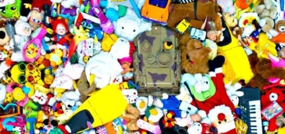 Za dużo zabawek wprowadza chaos do otoczenia dziecka.