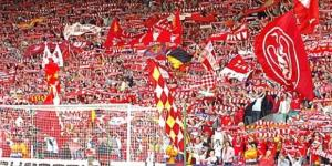 I tifosi del Liverpool ad Anfield Road, la loro 'You'll never walk alone' è il coro più bello secondo France Football
