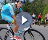 Fabio Aru in sella alla sua bicicletta