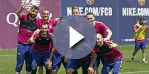 Los jugadores del Barça posan en un entranamiento