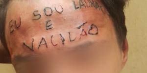 Garoto teve a testa tatuada no início do mês (Foto: Reprodução G1)