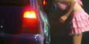 Un giro di baby squillo è stato scoperto dai carabinieri a Brindisi. La più piccola, 15 anni, è incinta quasi ceramente di un anziano cliente.