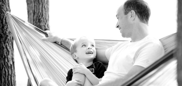 Spending more time with dad can boost child's intelligence, study claims. [Image via Pixabay/pixabay.com]