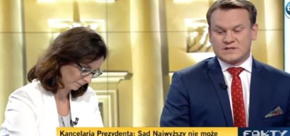Posłowie Kamila Gasiuk-Pihowicz i Dominik Tarczyński (źródło: TVN24).