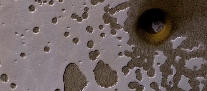 Extraño agujero en Marte desconcierta a científicos en todo el mundo