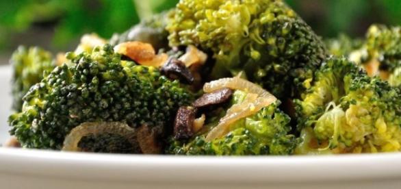 Ricetta pasta broccoli, cipolla e acciughe
