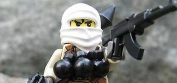I capi terroristi non si fanno mai esplodere, lasciano l'indegno compito ai loro adepti più manipolabili.