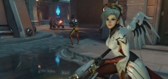 'Overwatch' medic Mercy in the heat of battle (image source: YouTube/GamingTaylor)