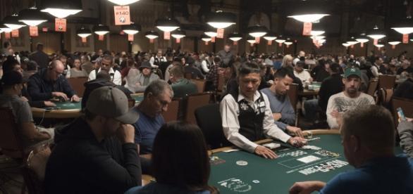 World Series of Poker 2017 | Dan Roywirat deals cards during… | Flickr - flickr.com