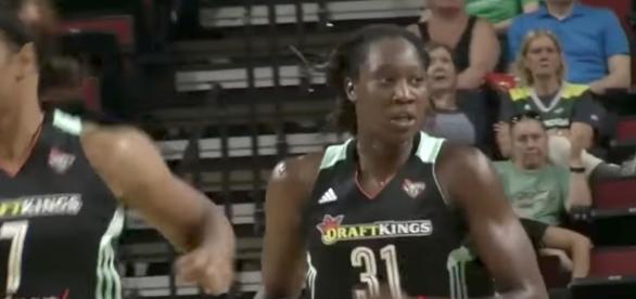 Tina Charles and the NY Liberty picked up a big win over the Washington Mystics on Sunday. [Image via WNBA/YouTube]