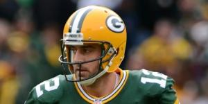 Aaron Rodgers is impressive, but is he the greatest ever? (Via Wikimedia Commons)