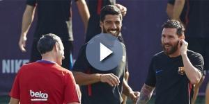 Ernesto Valverde junto a Messi y Suárez en un entrenamiento