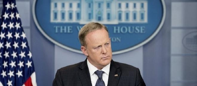Sean Spicer resigns and is replaced by Sarah Sanders