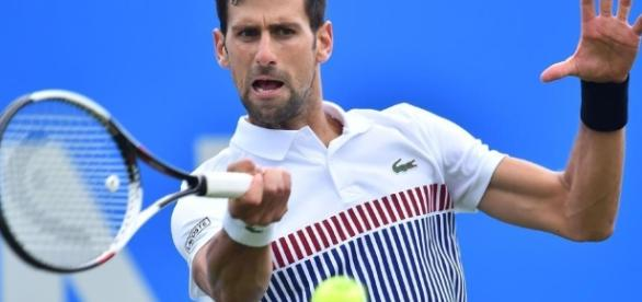 Novak Djokovic battles past Donald Young in Eastbourne ... [Image source: Blasting News library]
