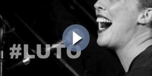 Cantora falece no palco. ( Foto: Google)
