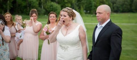 Noiva é surpreendida em seu casamento