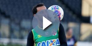 Nenê, meia do Vasco envolvido em negociação com o Palmeiras