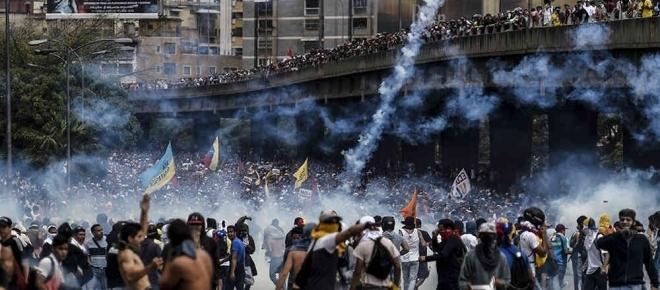 AMLO y MORENA fijan su posición política frente a Venezuela