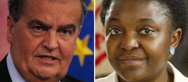 Migranti, Calderoli: 'Blocchiamoli sulle isole deserte, non a Lampedusa'