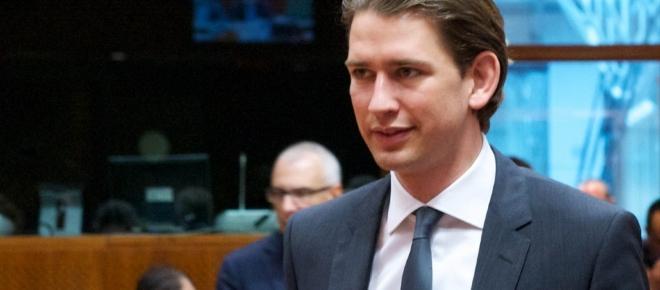 Ministro degli esteri austriaco: i migranti vanno bloccati