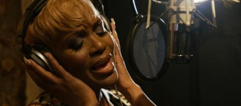 Kimberly Davis is a lead singer in the group CHIC. / Photo via Mr. Tan Man and Len Evans, used with permission.