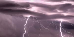 Allerta meteo sull'Italia: pioggia, fulmini e raffiche di vento al Nord e Sud