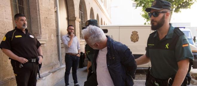 Nino de Angelo ätzt im Polizeiauto gegen seine Larissa ab
