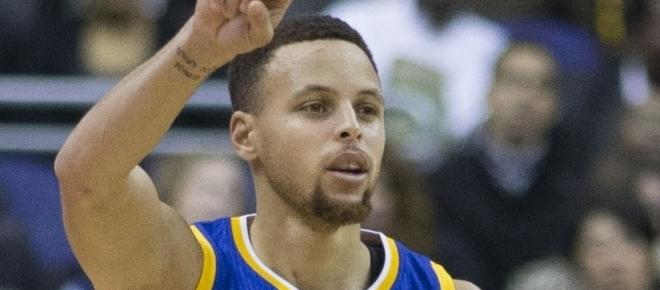 Steph Curry mocks teammate Klay Thompson's failed dunk attempt in China
