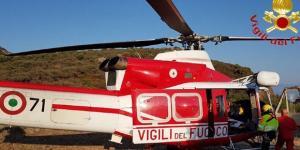 L'intervento dell'elicottero dei vigili del fuoco con a bordo i soccorritori del 118 è stato inutile: la 15 enne è morta affogata.