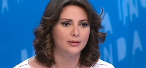 Anna Falcone parla delle differenze fra la sua sinistra e il PD