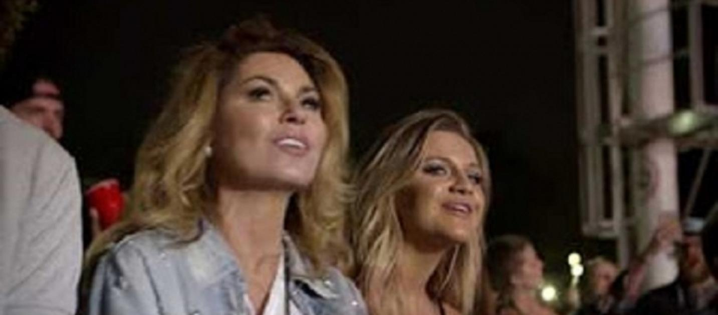 Shania twain tempts waiting fans with full track listings for Lady antebellum miscarriage how far along